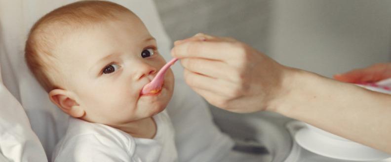 Bebeklerde Ek Gıdaya Ne Zaman Başlanmalı